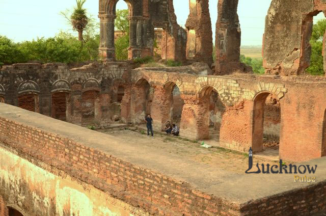 A picture of ruins of Musa Bagh at lucknow