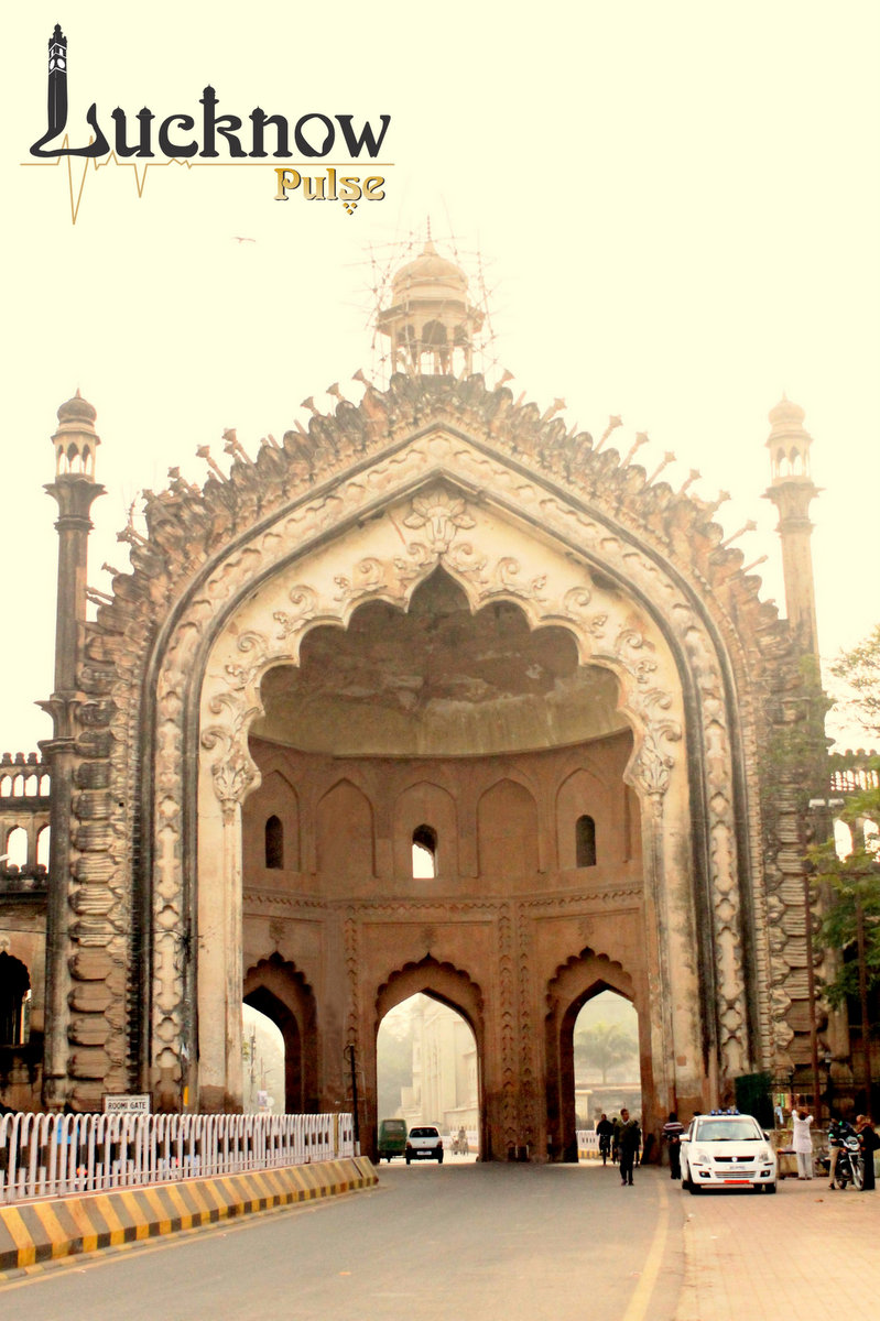 Roomi darwaza the gateway to history of lucknow for Architecture design for home in lucknow