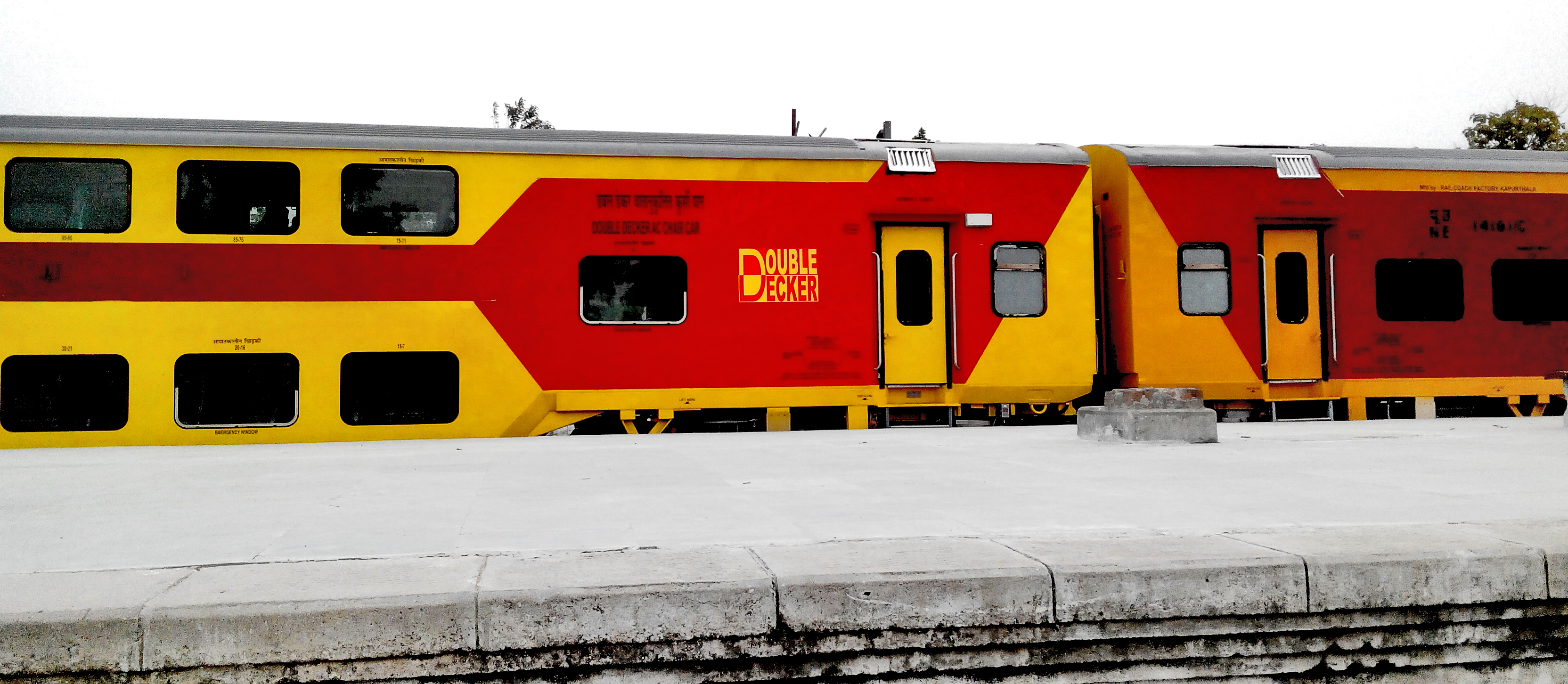 Picture of double decker train that runs between lucknow and new-delhi