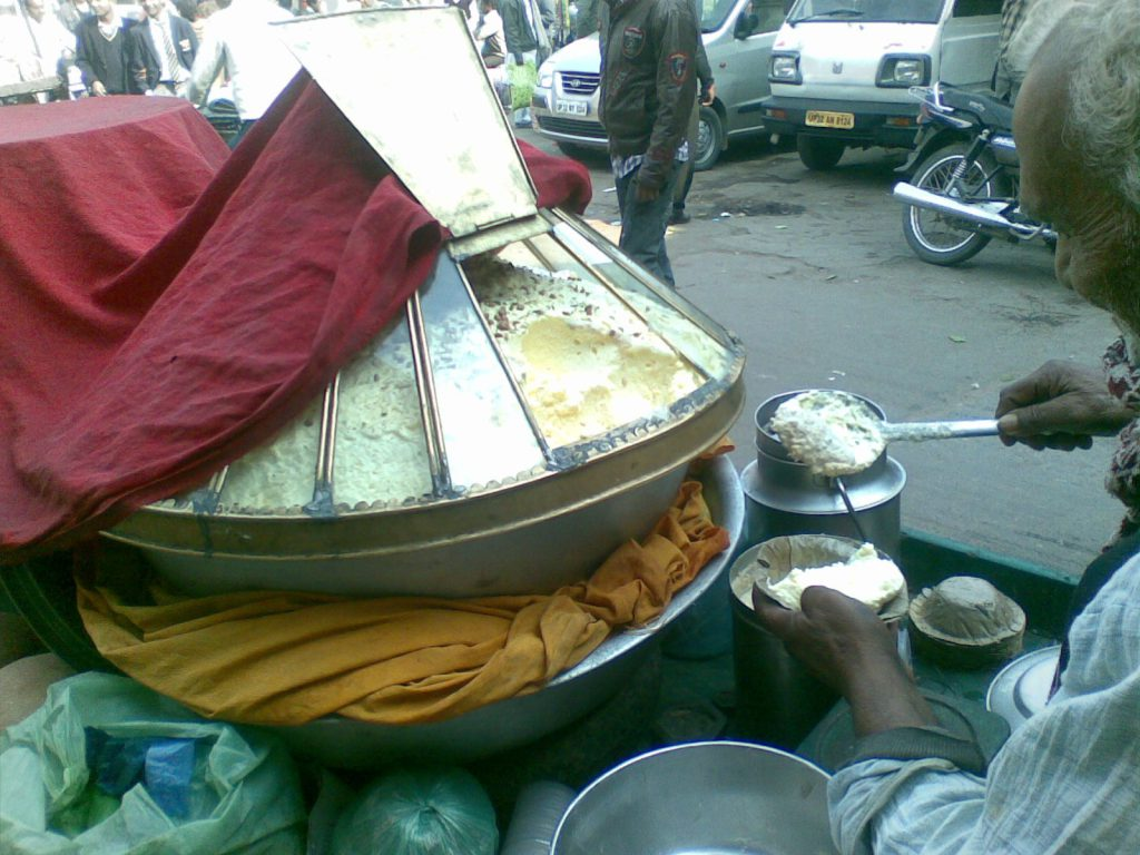 Makkhan-Malai selling fresh, sweetened, whipped butter on the streets of Lucknow.