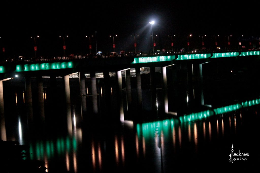 Picture of an illuminated lohia path bridge onthe gomti river in Lucknow.