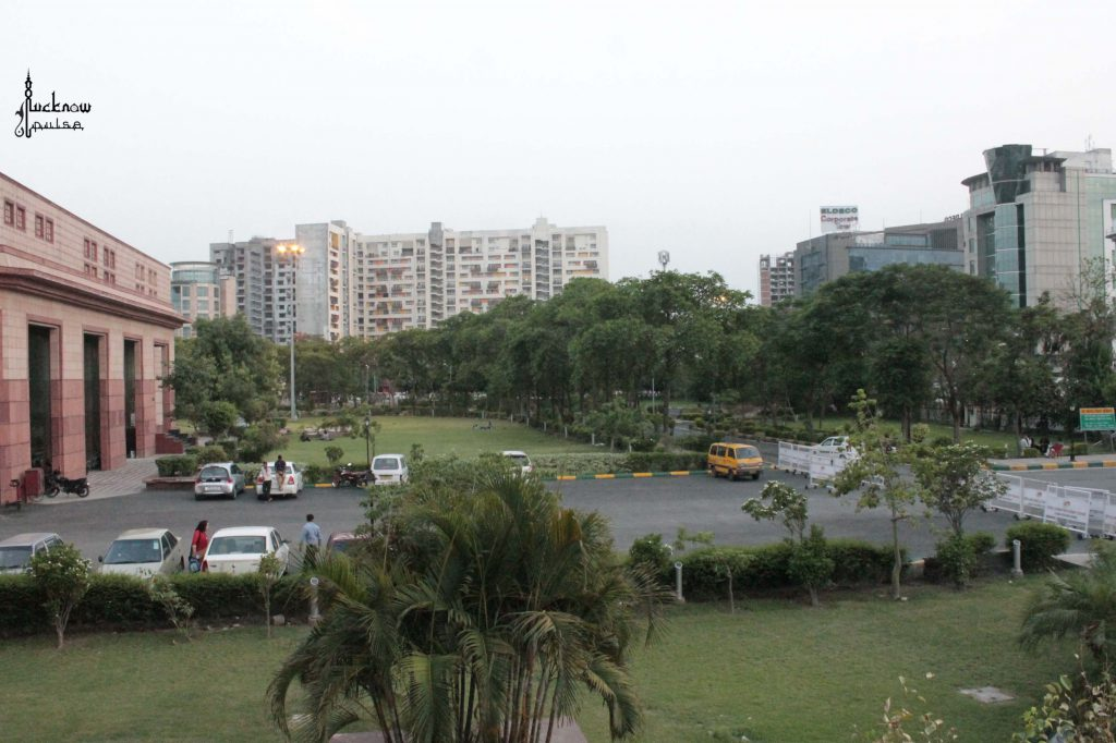 An apartment, a convention center, and a business center in Lucknow