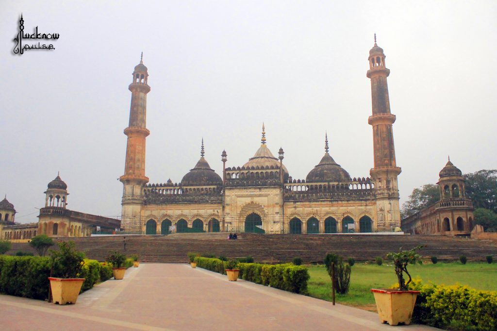 On a Summer trip to Lucknow. Picture of Asafi Imambara masjid, Lucknow for the lucknow blog - lucknowpulse.com